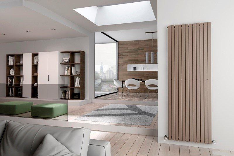 Дизайнерский радиатор отопления в красивом интерьере помещения