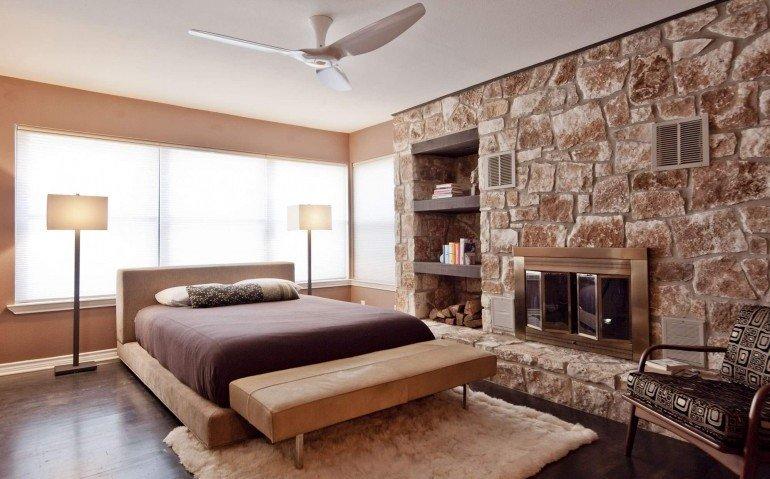 Потолочный вентилятор в интерьере помещения