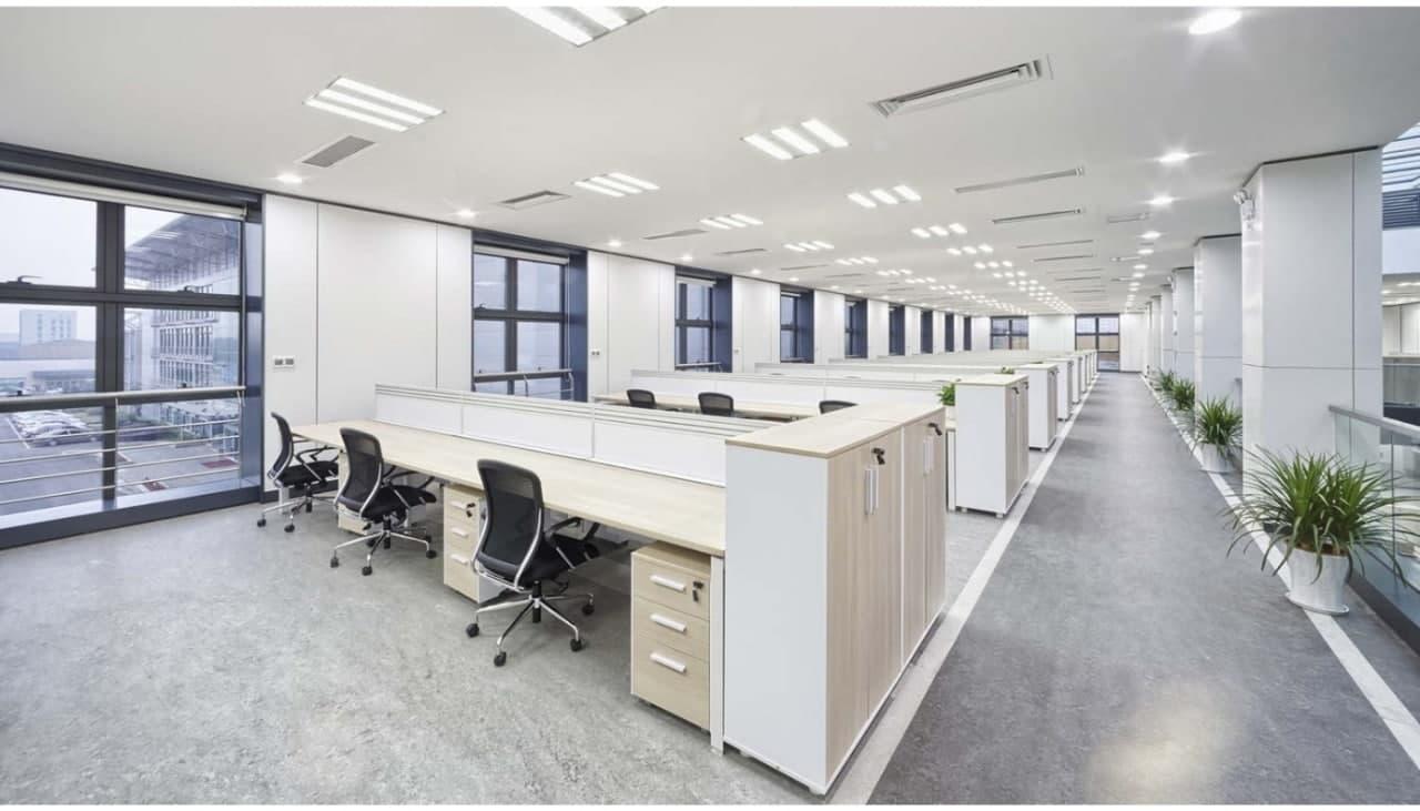 Система вентиляції в офісі