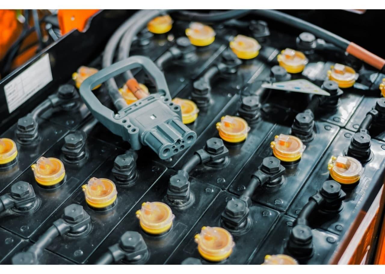 Підключення акумуляторних блоків