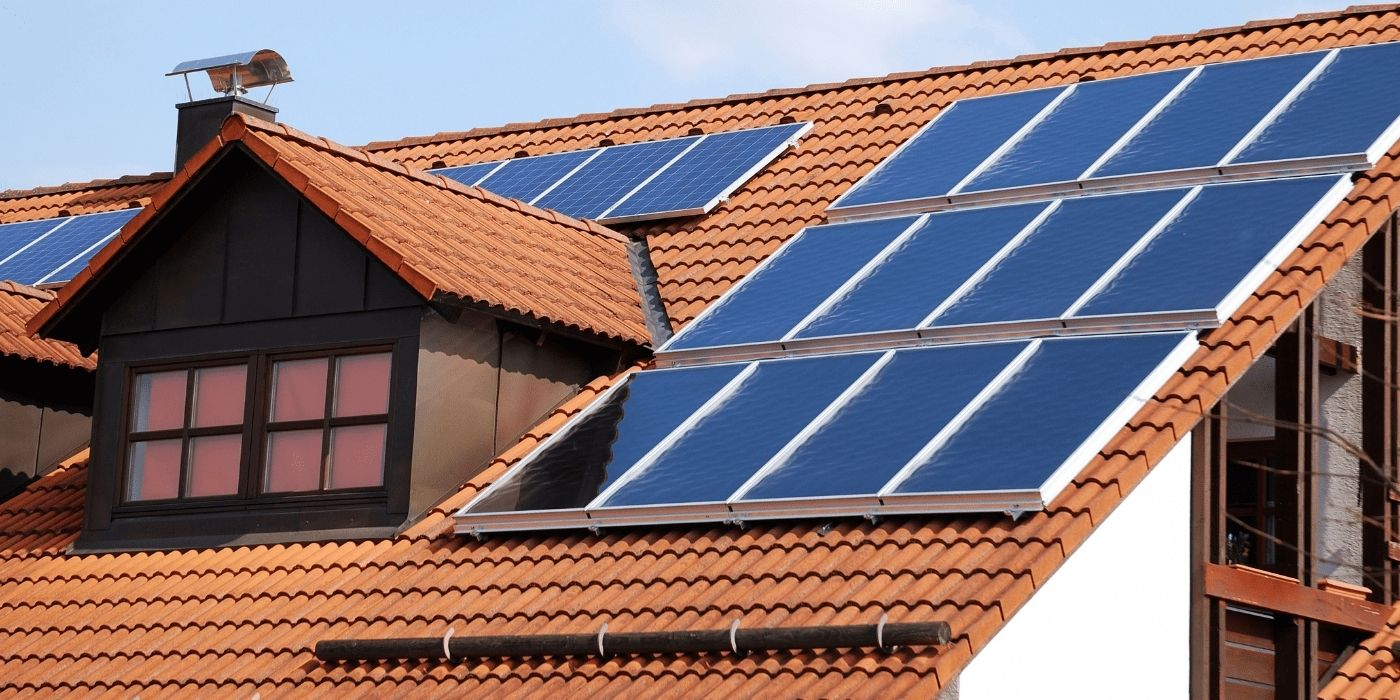 Сонячні колектори на даху