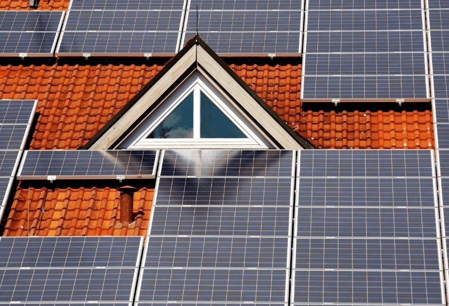 Сонячні батареї для електропостачання будинку