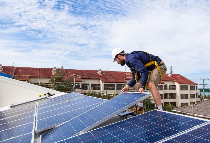 Сонячні батареї для дому: розрахунок вартості комплекту