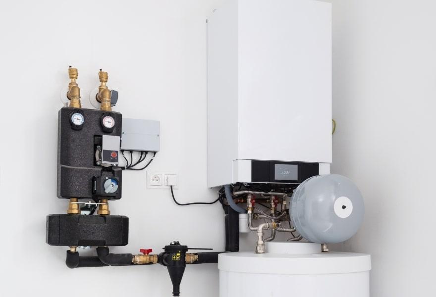 Тепловий насос і газовий котел для опалення будинку