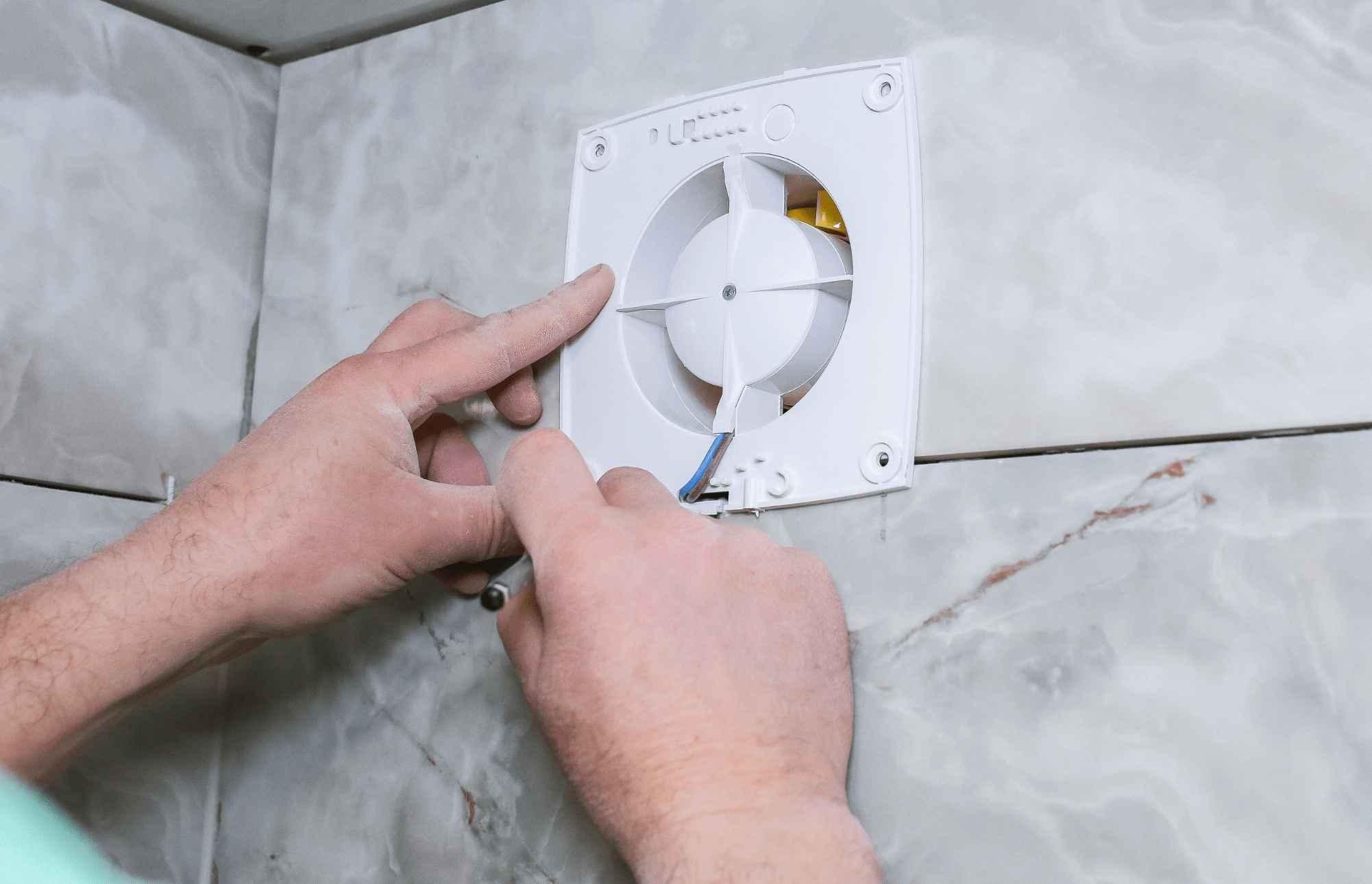 Монтаж бытовых вентиляторов