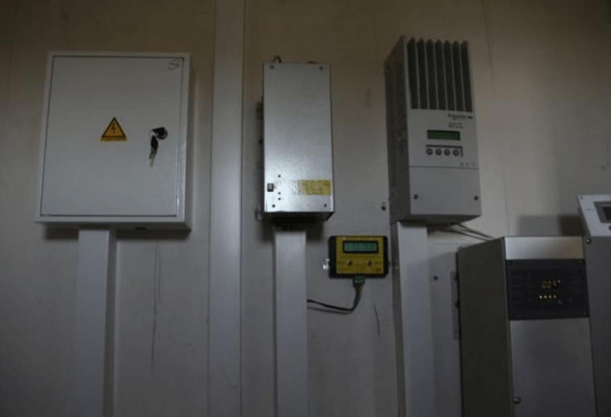 Электрощитовая с контроллерами и инвертором