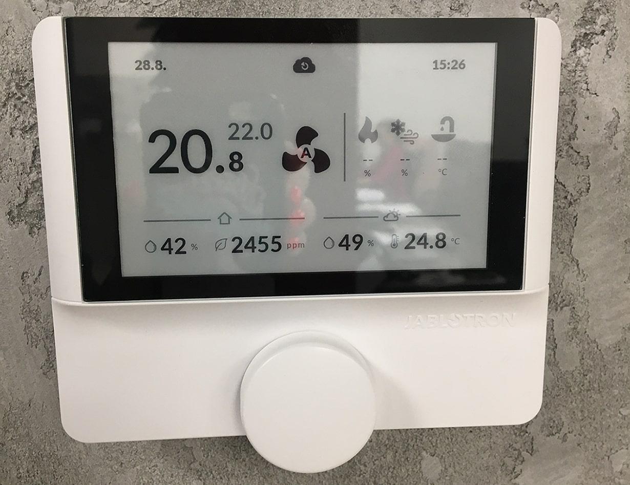 Контроллер Alfa для отображения температуры и других параметров