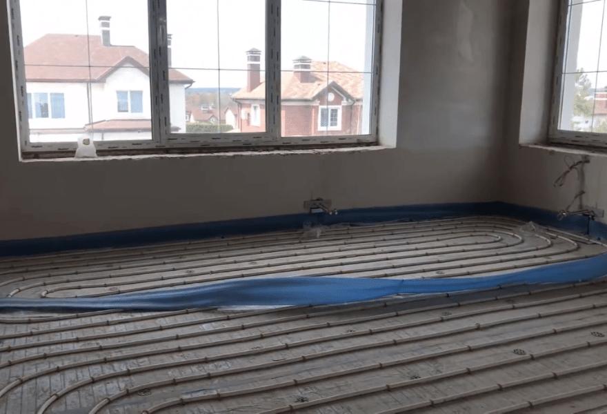 Тепла підлога у будинку