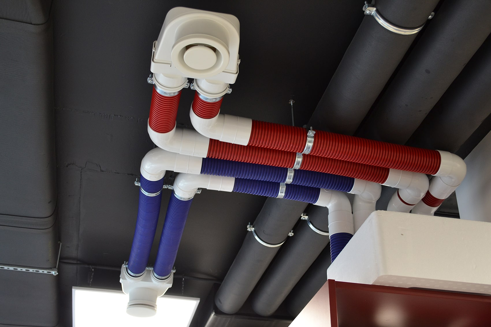 Воздуховоды для демонстрации работы децентрализованной вентиляции
