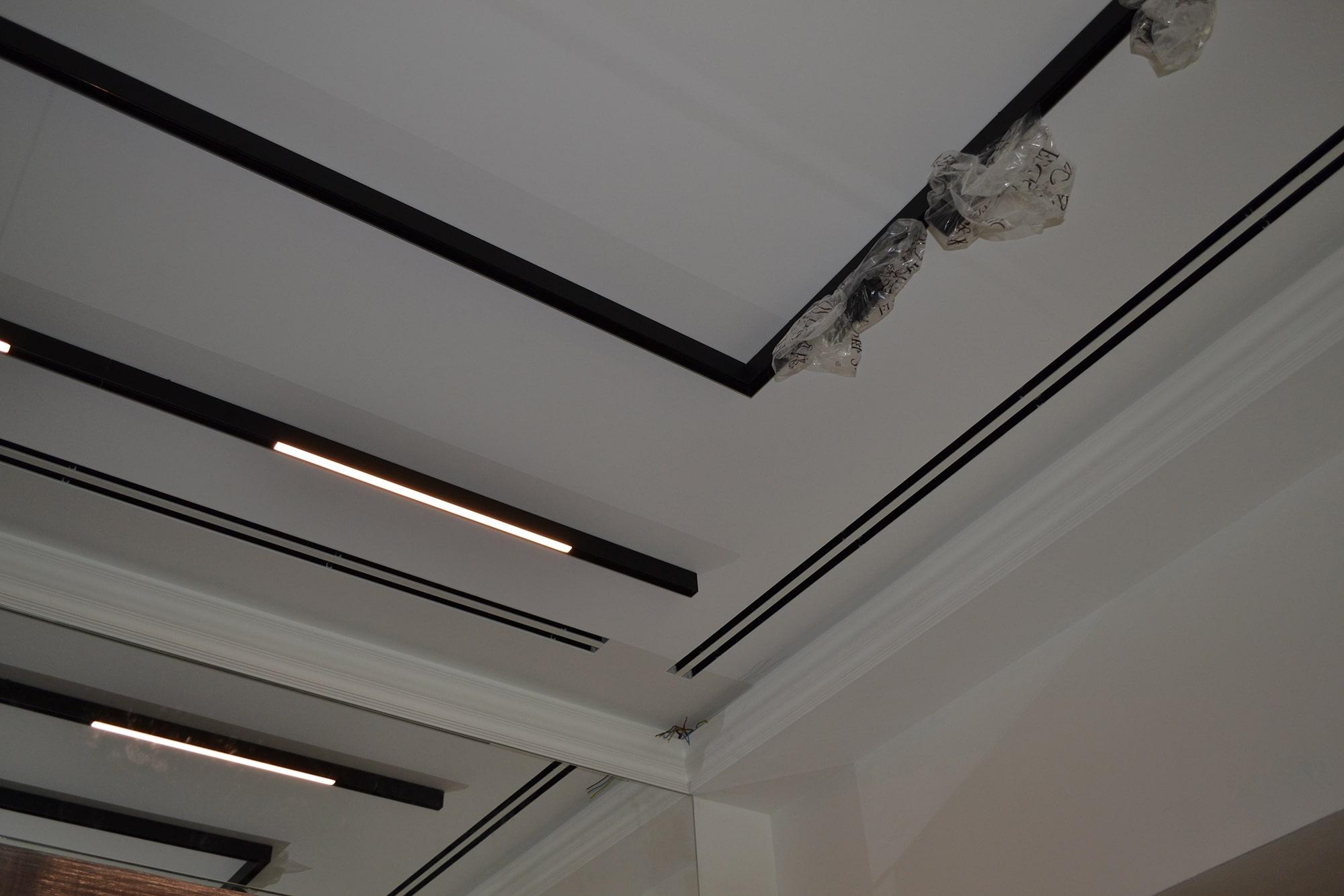 Стильна комбінація системи вентиляції та освітлення